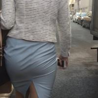 お尻の形がくっきり過ぎるスカートズボン!最後のパンツ丸出し女は露出狂かよwwwwwwww