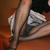 【透けパンチラ画像】ストッキング女子の無防備な姿、スケスケパンチラをご覧くださいwwwwwwwww