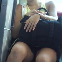 【電車内対面盗撮】朝帰りのキャバ嬢!エロい生足を無防備にさらけ出してるwwwwww