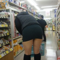 エロい太もものお水系キャバ嬢を街中で隠し撮り!ムッチムチのエロい脚ですハイwwwwww