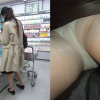 【盗撮パンチラ画像】本屋で立ち読みする若妻奥様がターゲット!こっそりスカート逆さ撮りwwwwww