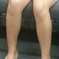 【電車内チラ画像】電車で重盛さと美似のミニスカJDがエロ脚晒け出していたのでこっそり隠し撮りwwwwwwwww