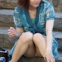 【街中パンチラ画像】公園のパンチラってやっぱり抜ける!油断した女の子達を色んな角度から隠し撮りwwwwwww