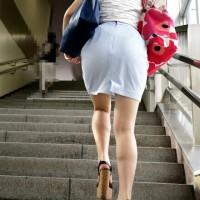 【街角チラリ画像】チンコが反応したら貴方は脚フェチ!綺麗な生脚女子をストーキング盗撮wwwwwww