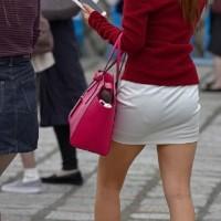 【尻フェチ画像】お尻にフィットするスカート、お尻を観察しながら街を歩くと妙にムラムラしてきたwwwwwww