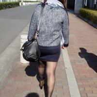【街中チラリ画像】脚フェチにおすすめ!?ムチムチ感がたまらないストッキングタイツ女子こっそり激撮wwwwwwww