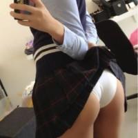 【SNS裏垢エロ画像】ツイッターとかSNSで自撮りパンチラをうpしてくれる女の子。オナネタありがとうwwwww