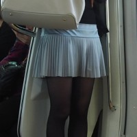 【エロ足チラリ画像】街でストッキングやタイツの美脚女子を見るたびに股間がムラムラwwwwww