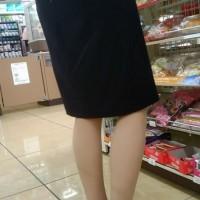【街中フェチ画像】スーツのOLさんを見かけると後ろから白い精子をぶっかけたくなる!妄想するのはOKwwwwww