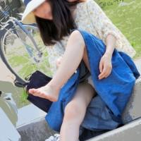 【パンチラ画像】こういうリアルな公園パンチラ抜けるわぁ!若妻から女子大生までパンツ見えまくりwwwwwww