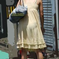 街中なのに衣装からパンツが透けているwww温かくなるとこういうの増えるぜwww