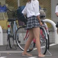 パンツ見えまくりのJKwwww色々エロい画像www
