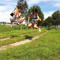 【SNSパンチラ画像】リア充がよくするジャンプしながらの記念撮影からwwww